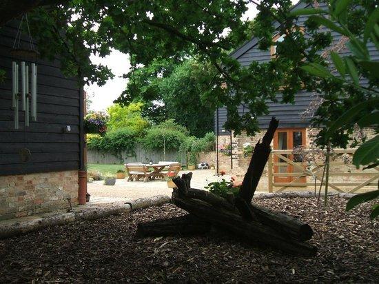 Grove Barn Cambridgeshire: Garden View