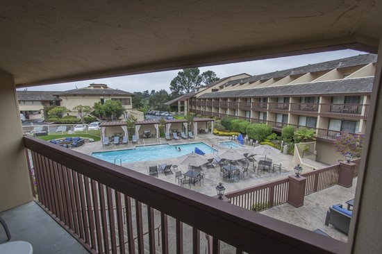 Hilton Garden Inn Monterey: Balcony View overlooking the Pool