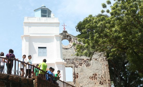 Malacca Heritage Centre: Vista de la Iglesia de San pedro