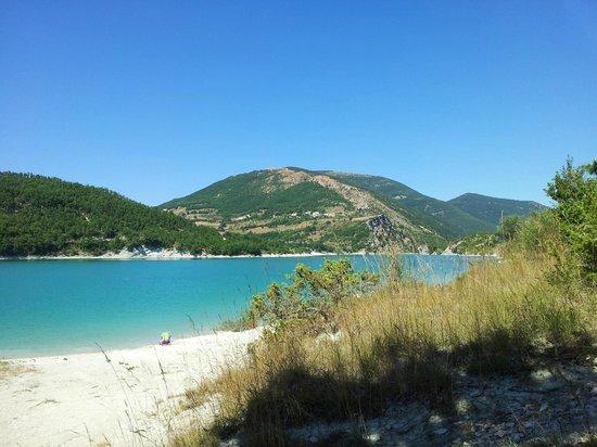 La Sibilla Parco Hotel: Lago di Fiastra