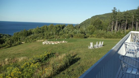 Castlerock Country Inn: View from outside deck at Breakfast