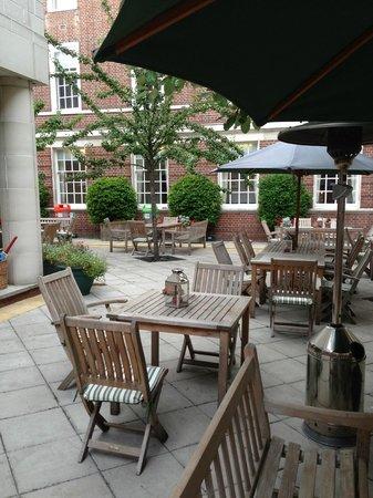 Devonport House: Lovely Courtyard!