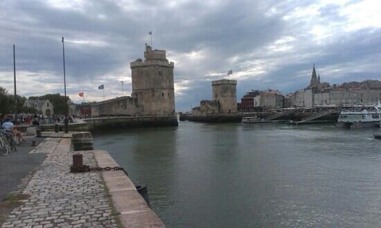 les tours du vieux port