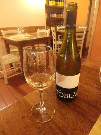 Tiberio Trattoria: excelletn white wine