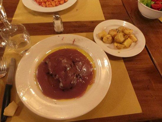 Tiberio Trattoria: steak with red wine sacue