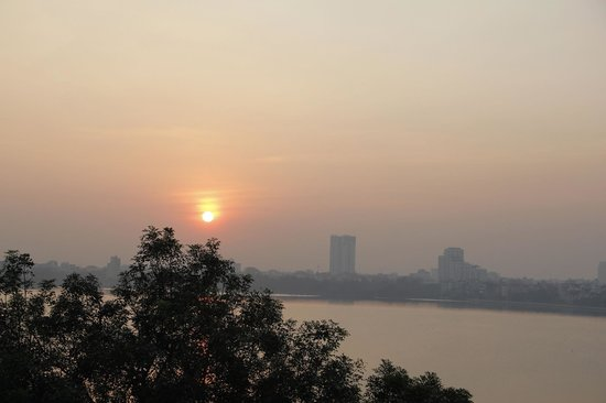 Sunset Westlake Hanoi Hotel: View from the balcony over the West lake