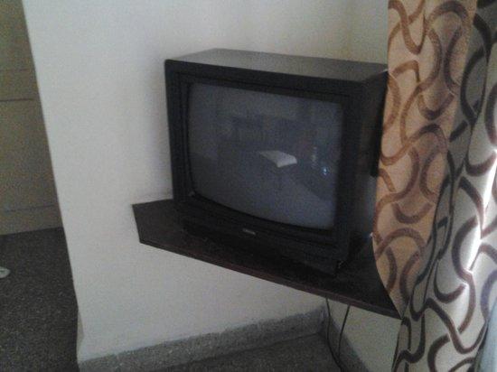 Maria Rosa Resort: So called LCD TV