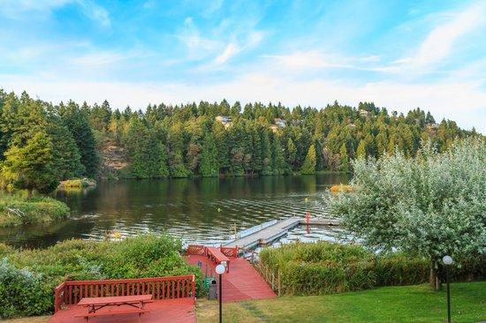 The Inn on Long Lake : Lakefront dock area 1