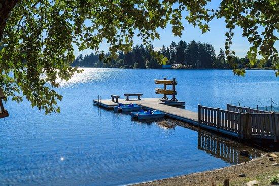 The Inn on Long Lake : Lakefront dock area 2