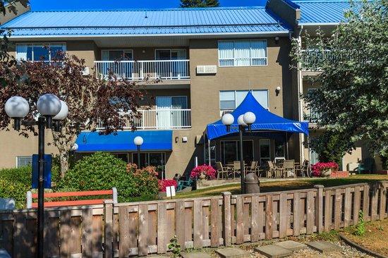 The Inn on Long Lake : Outside breakfast area