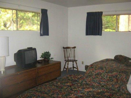 Herrington's Sierra Pines Resort: Bedroom