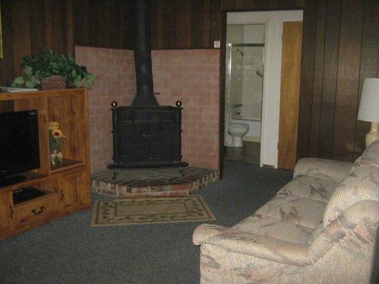 Herrington's Sierra Pines Resort: Living Room