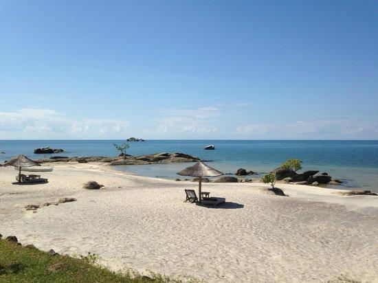 Makuzi Beach Lodge: Strand