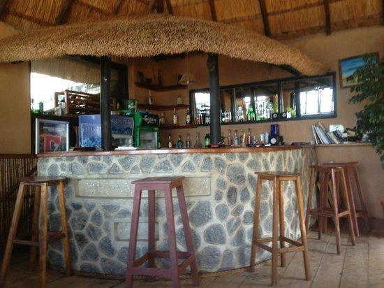 Makuzi Beach Lodge: Bar