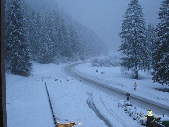 Hotel Foresta: Nevicata vista dal balcone