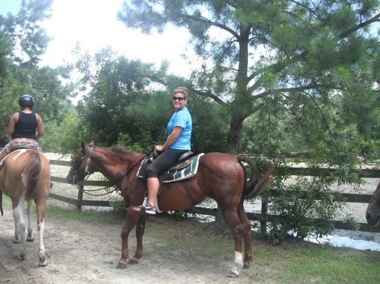 Inlet Point Plantation Stables: Just right before the trip started!