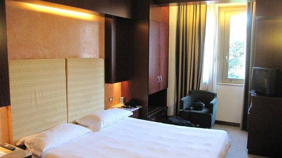 NH Roma Leonardo da Vinci: Room Photo