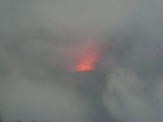 Il Vulcano a Piedi - Stromboli Excursions Organizer: Eruzione