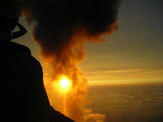 Il Vulcano a Piedi - Stromboli Excursions Organizer: Tramonto