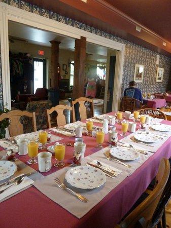 Auberge & Bistro d'Anjou : La table du Petit-Déjeuner vous attend !
