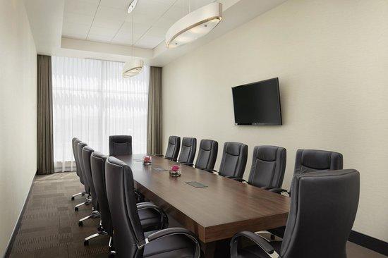 Four Points by Sheraton Kelowna Airport: Merlot Boardroom
