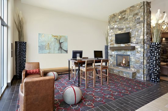 Four Points by Sheraton Kelowna Airport: Business Centre