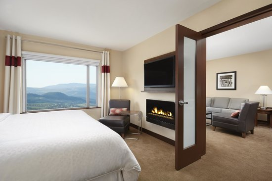 Four Points by Sheraton Kelowna Airport: Executive King Suite