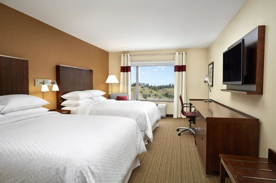 Four Points by Sheraton Kelowna Airport: Traditional Double Queen Room
