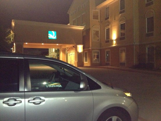 Quality Inn & Suites : Late Arrival