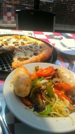 Greek's Pizzeria: All Good!
