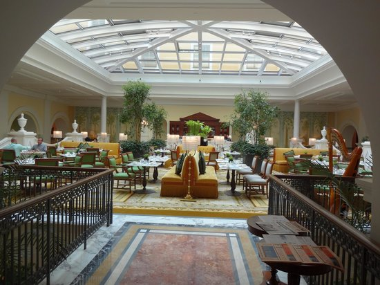 Four Seasons Hotel Lion Palace St. Petersburg : Only dining room open when we were there. Delicious.