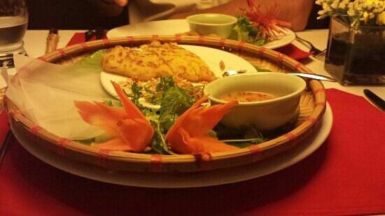 The Gourmet Corner Restaurant: Delicious pancake in ricepaper.