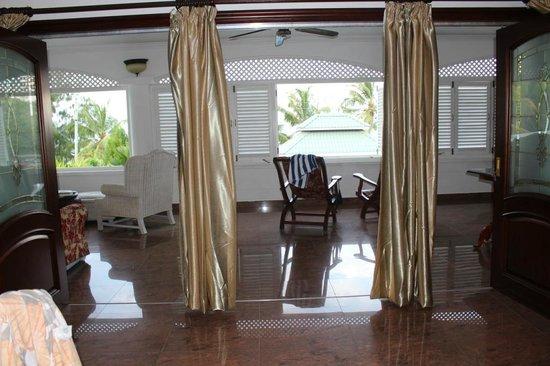 Le Bonheur Villa: Вид из комнаты на террасу пентхауса