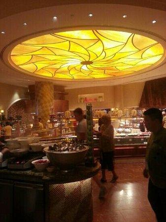 Atlantis, The Palm: kalidoscope buffet