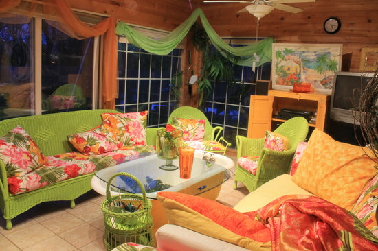 The Appleton Inn : Use our sunroom for it's cheery atmosphere