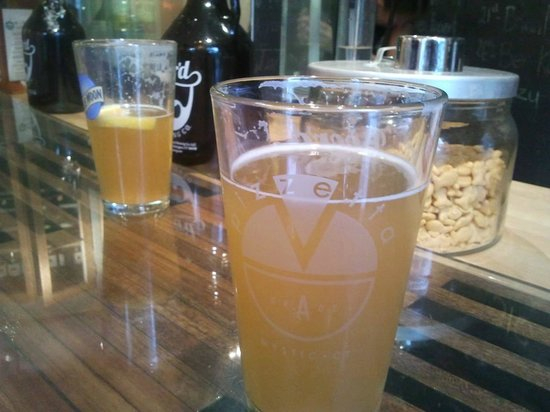 Pizzetta : Local craft beer on tap.