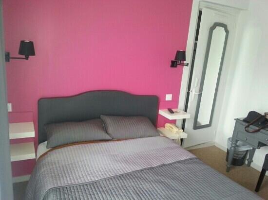Hotel Les Voyageurs : chambre n°1