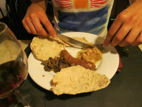 La cave aux moines : haricots, saucisse d'Anjou et lardons/champignons
