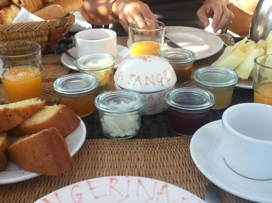 La Tangerina: breakfast