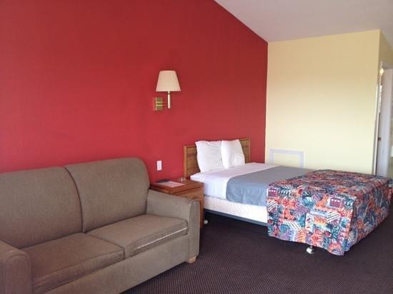 Rodeway Inn: new remodel room