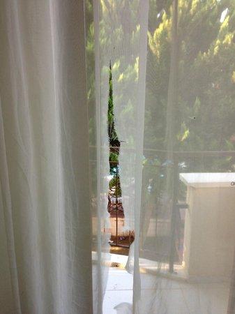 Prestige Residence Hotel: odanin perdesi