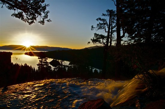 Basecamp South Lake Tahoe: Sunrise over Emerald Bay