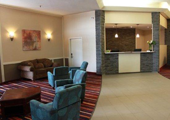 Quality Hotel Drumheller: Lobby