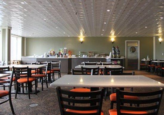 Quality Hotel Drumheller: Breakfast Restaurant
