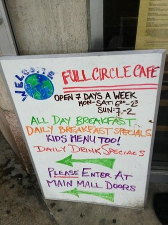 Full Circle Cafe : Personality on display!