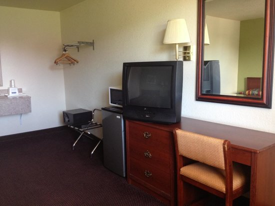 Farmington Inn: Spacious