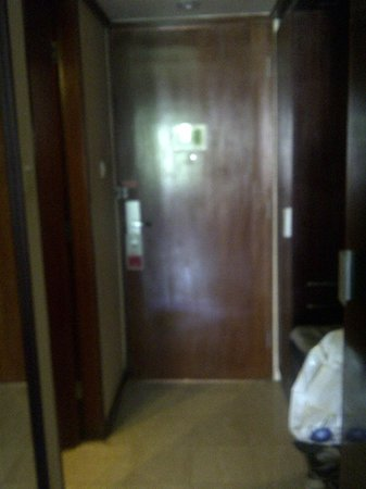 Ramada Bintang Bali Resort: Door of the room