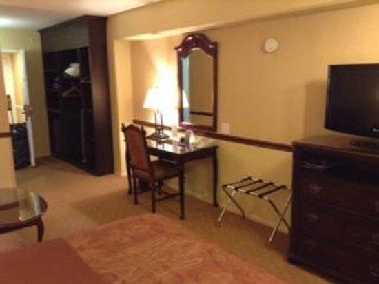 ALO Hotel: Desk