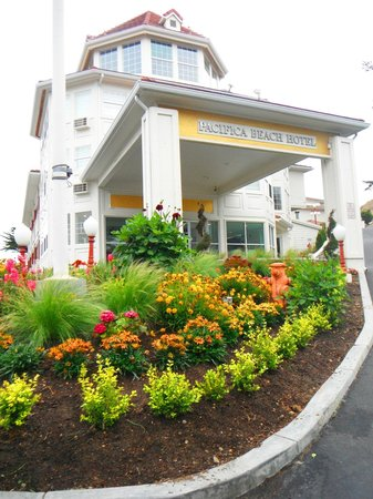 Pacifica Beach Hotel: Front Desk Entrance