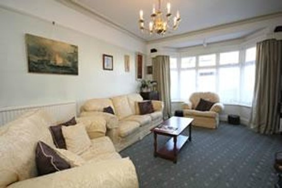Lorna Doone Guest House: Relaxing Comfortable Lounge